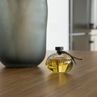 After a long day spent at work, welcome yourself with elegance and aesthetics. Get your signature home scent here: www.odoro-store.com#odororeeddiffuser #odorofamily #privatelabel #fragrance #odorofragrances #fragrancemanufacturer #homefragrance #reeddiffuser #reedfiffusers #interior #interiorfragrance #moodcollection #odoromood #odoromoodcollection #feelthemood